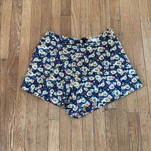 Flowy flower shorts!